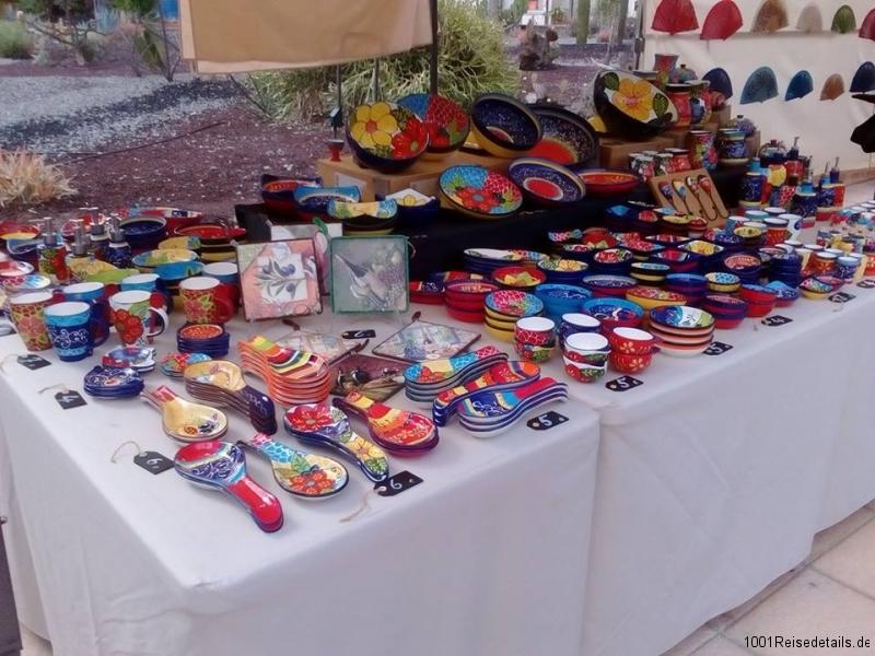 Spanische Keramik Marktstand Montag in Mogan